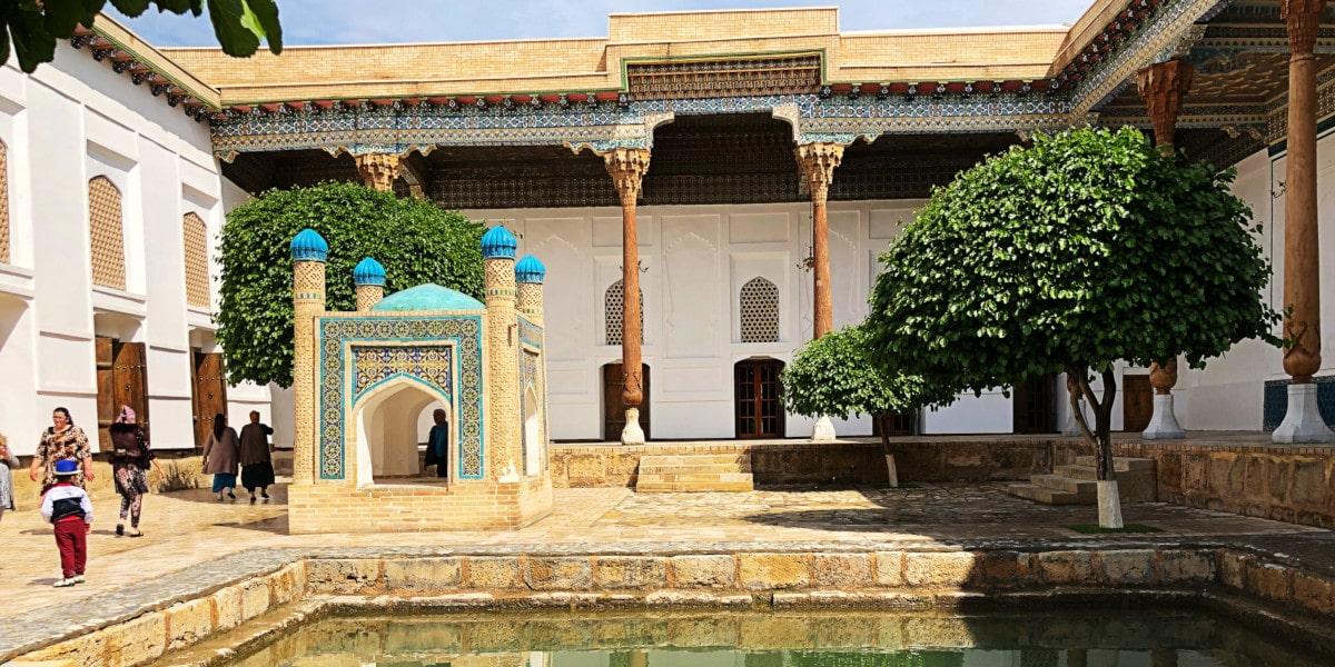Bahauddin Naqshbandi inner courtyard