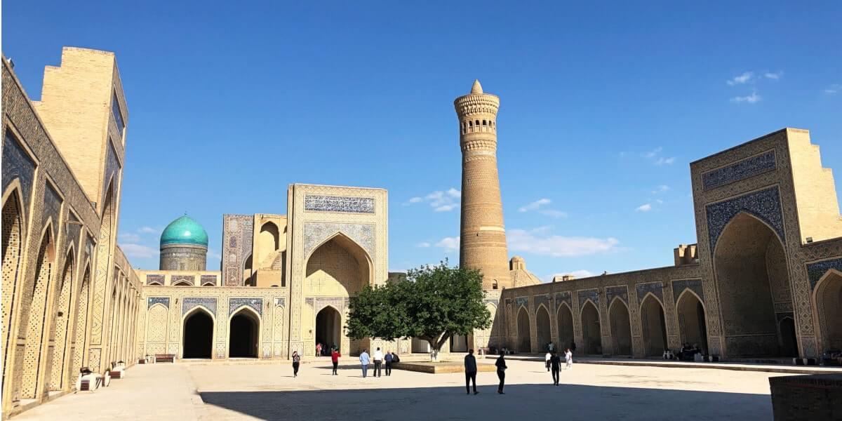 Bukhara Kalon mosque with minaret
